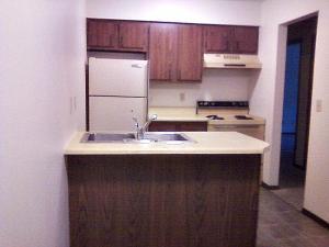 2 bedroom apartment for rent - sternberg apartments - kit1